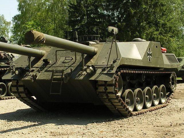 leopard-3-4Двухпушечный безбашенный танк VT1 (Леопард 3)